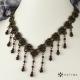 Elegantní úzký náhrdelník granát