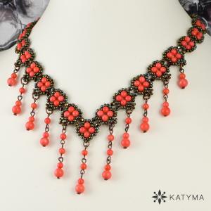 Elegantní úzký náhrdelník růžový korál